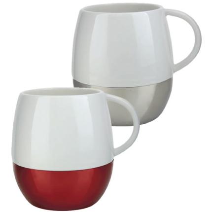 Taza de cerámica con metal
